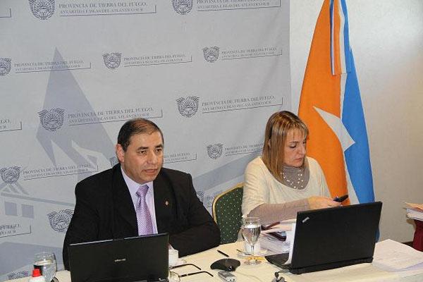 Luis Benegas y Liliana Muñiz Siccardi, durante la teleconferencia.
