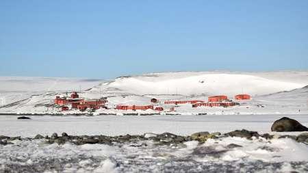 Antártida: Se congeló la superficie del agua del mar frente a la Base Carlini