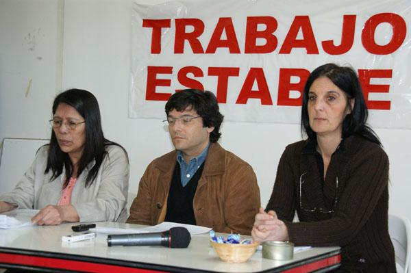 Deheza, Raimbault y De María, durante la conferencia de prensa.