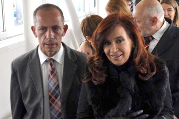 Rubén Sciutto junto a Cristina Fernández en su última visita a Río Grande.