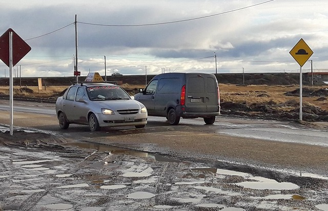 Piden reemplazar los reductores de velocidad de calle 'El Alambrador'