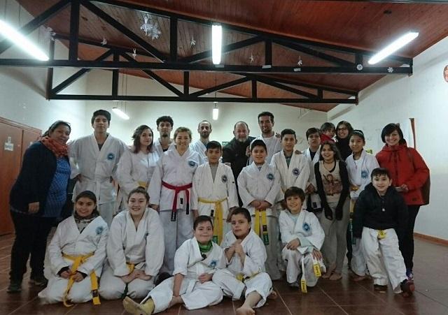Brindaron charla de cuidados de la columna en Taller de Taekwondo