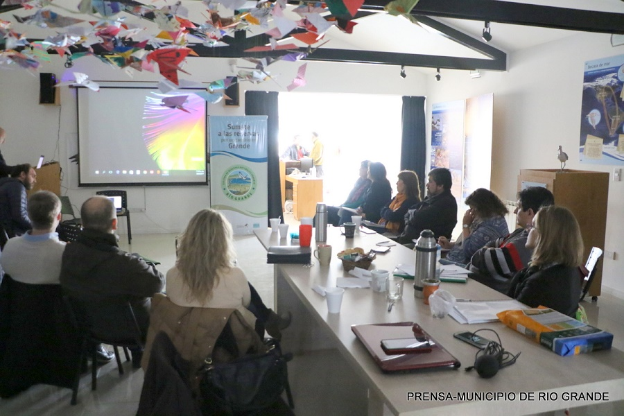 El municipio y la mesa técnica analizan el proyecto de habilitación de canteras