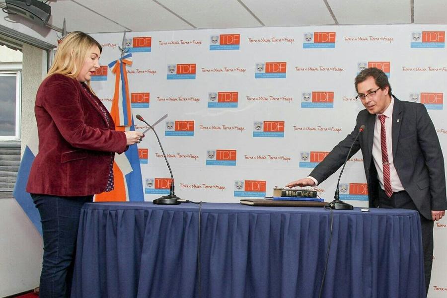 Bertone tomó juramento Alejandro Ledesma como nuevo Presidente de la DPE