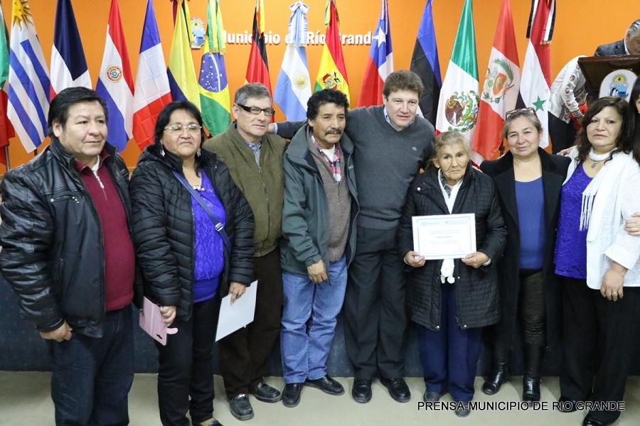 El Intendente Gustavo Melella encabezó el acto por el Día del Inmigrante