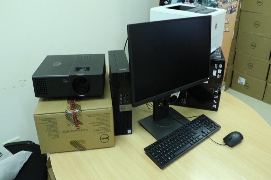 Entrega de insumos informáticos a la oficina de empleo