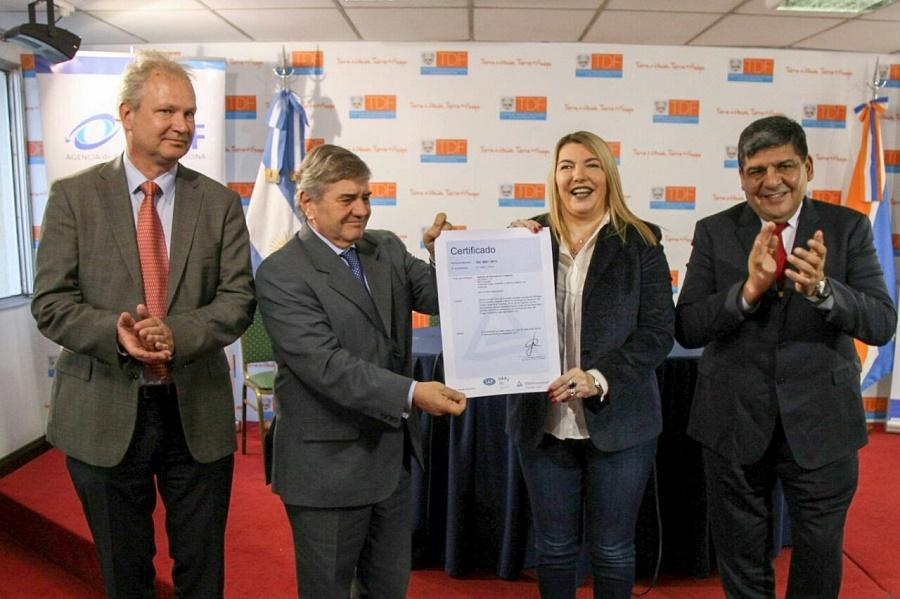 """Bertone: """"Espero que toda la Administración de Tierra del Fuego logre la certificación de sus procesos administrativos"""""""