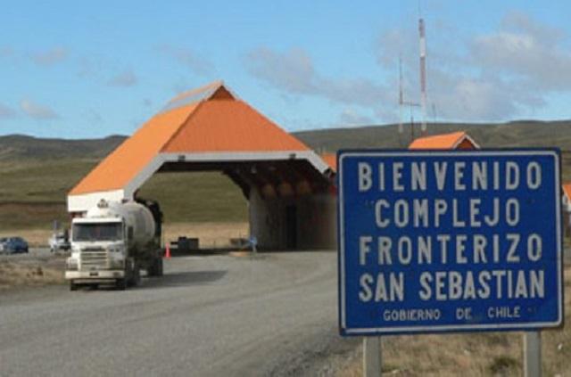 Mediante la firma de un protocolo, buscan agilizar trámites fronterizos