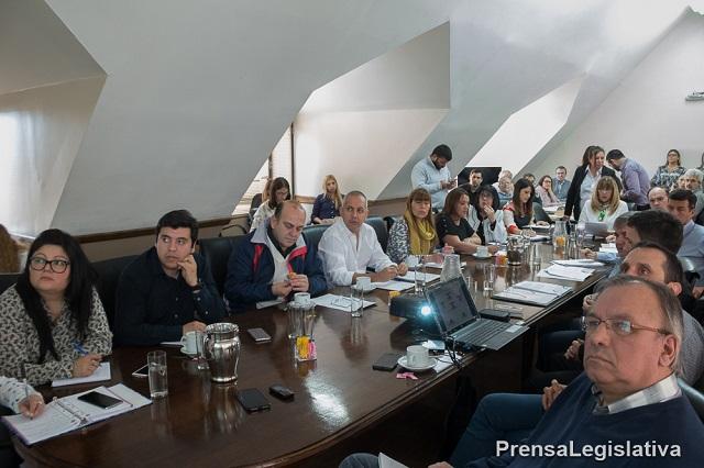 Legislatura: Analizaron convenio de extensión de explotación hidrocarburífera