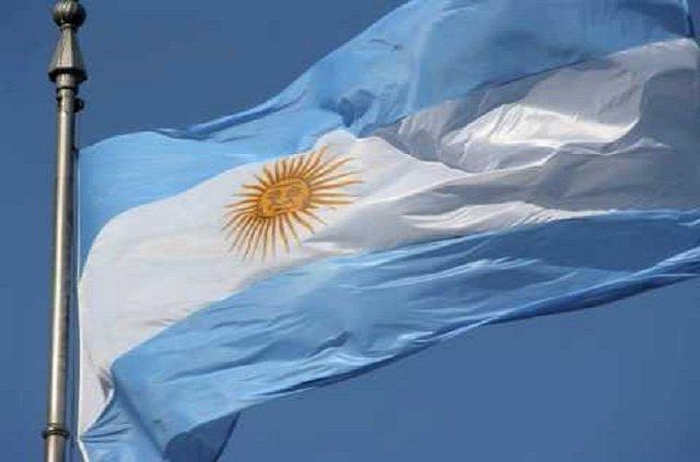 Las banderas de monumentos de Ushuaia y Río Grande estarán a media asta