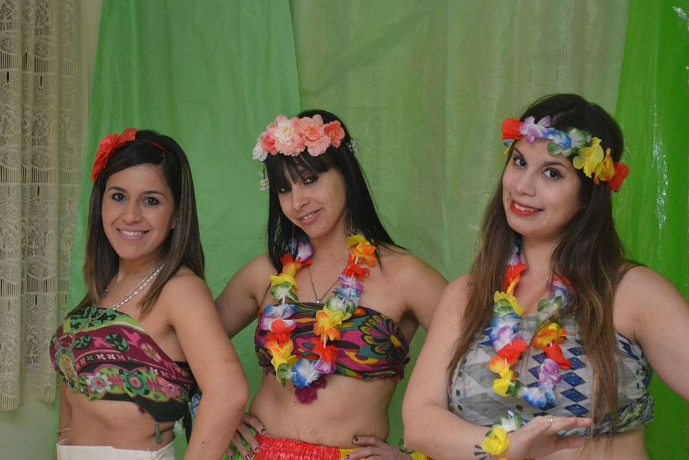 Sábado 16: Un grupo de chicas ofrecerá una novedosa fiesta hawaiana