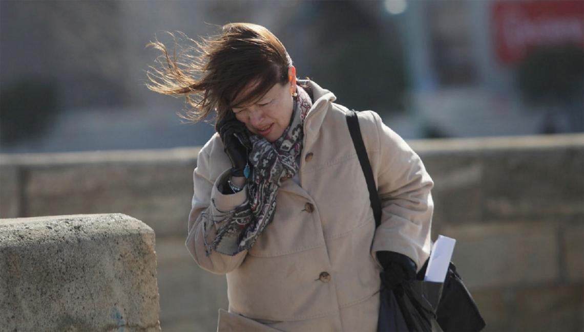 Fuertes vientos azotan Tierra del Fuego.