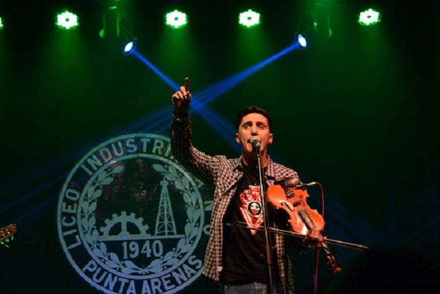 El artista fueguino, Facundo Armas brilló en un festival de Punta Arenas