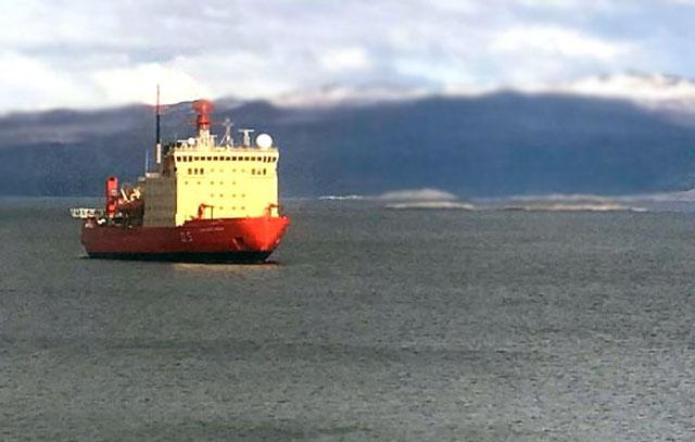 El rompehielos Irízar volvió a amarrar en el puerto de Ushuaia