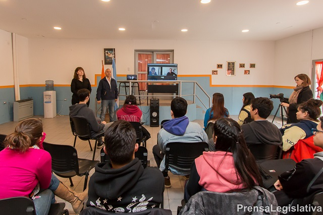 Tutoriales Matemáticas: 21 estudiantes de Ushuaia accedieron a la beca