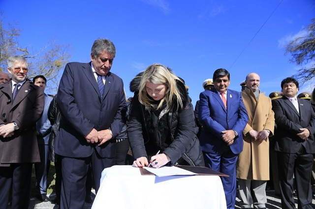 La Gobernadora envió a Legislatura el proyecto que crea el Departamento Tolhuin