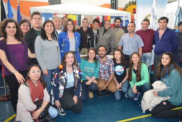Alumnos de intercambio internacional, en la Feria de las Colectividades