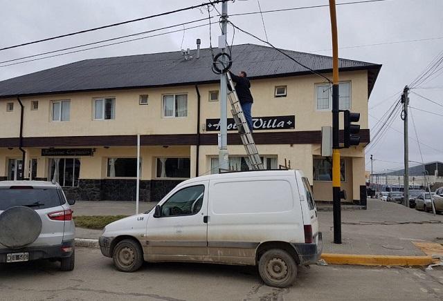 Comenzó, en Río Grande, la ampliación del tendido de red de fibra óptica