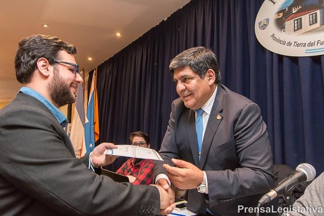Nahuel Carrizo es el delegado del Parlamento juvenil Mercosur