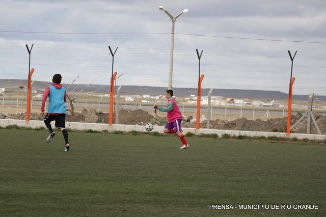 Fútbol: Argentino Junior busca talentos en Río Grande
