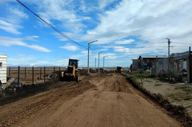 Realizan intenso operativo de mejoramiento en las calles de Chacra XI