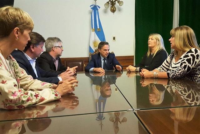 Bertone y Pichetto se vieron las caras por la reforma impositiva