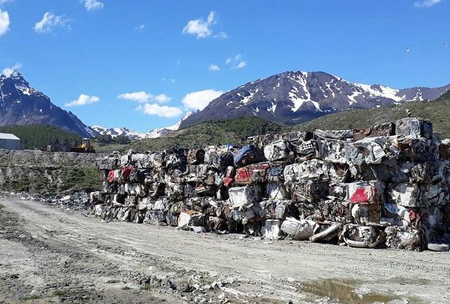 Ushuaia: La municipalidad envió al continente otras 180 toneladas de chatarra