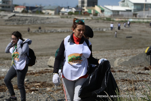 """La Eco Maratón """"Playas Limpias"""", logró excelente respuesta de la comunidad"""
