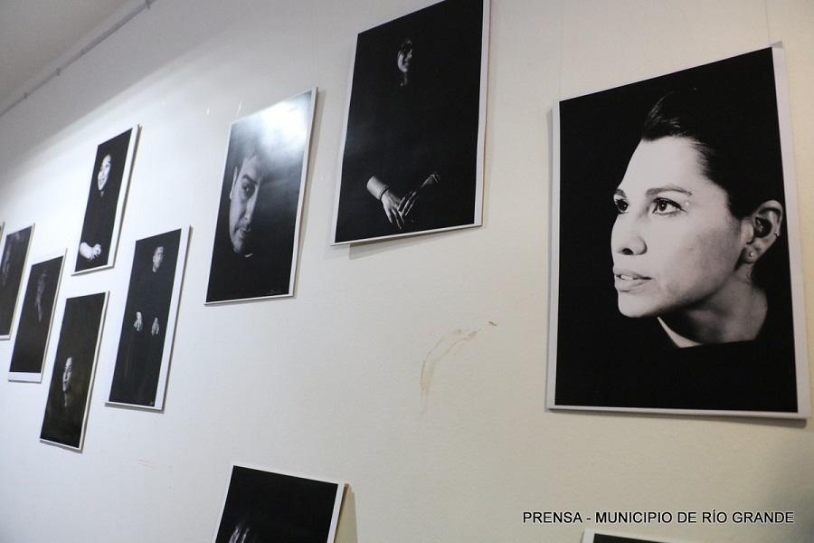 Muestra fotográfica de los talleres culturales en el Centro Cultural Além