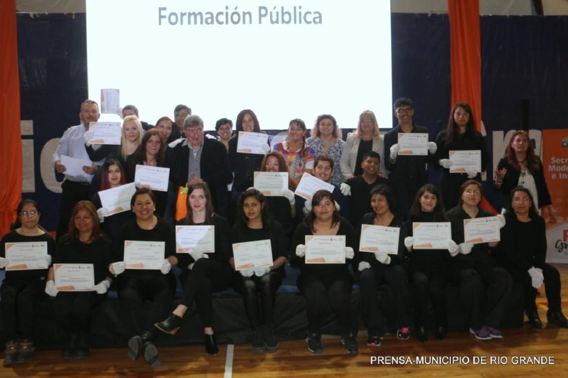 La Escuela de Capacitación Municipal cerró un año con más de 700 alumnos