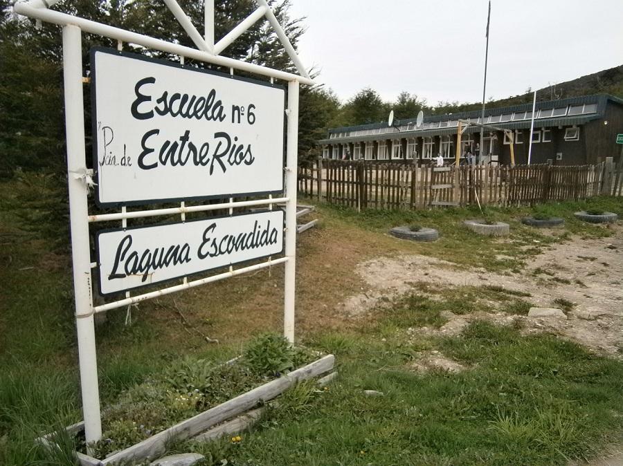 """Escuela Rural Entre Ríos  de Lago Escondido implementará el proyecto """"Agua Segura"""""""