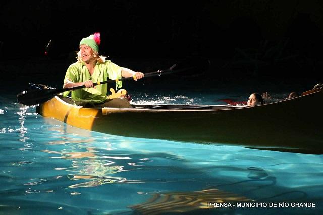 "El natatorio municipal presenta la obra ""Madagascar Circus Show"""
