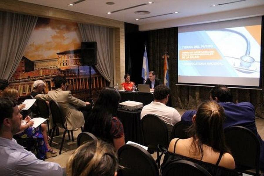Exitosa presentación de la convocatoria de médicos en Buenos Aires