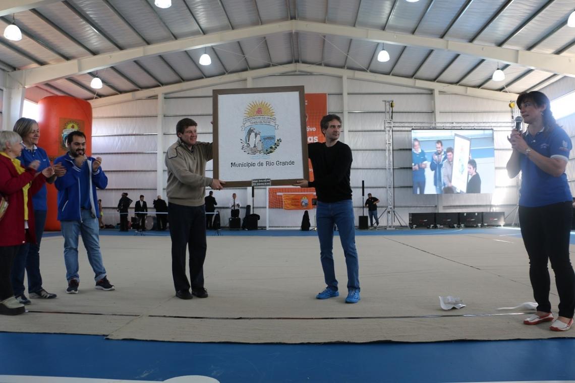 El gimnasio municipal de Chacra XIII ya es una realidad