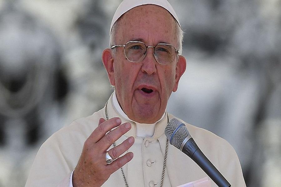 """El Papa, otra vez duro con el Vaticano: Criticó el """"cáncer"""" de camarillas y la corrupción"""