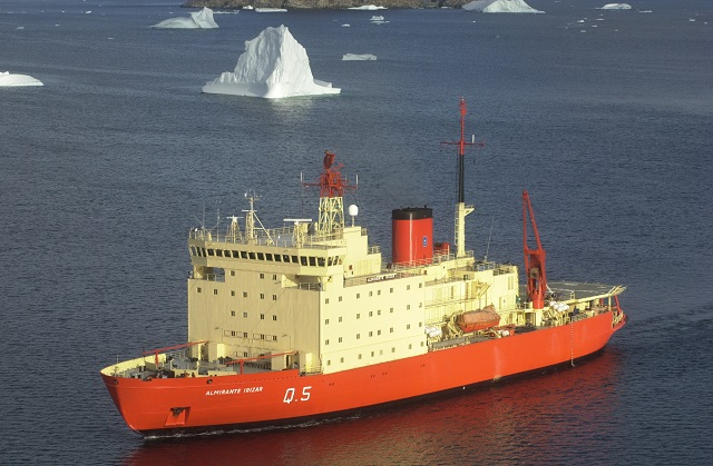 """Después de diez años, el """"Almirante Irízar"""" zarpará el martes hacia la Antártida"""