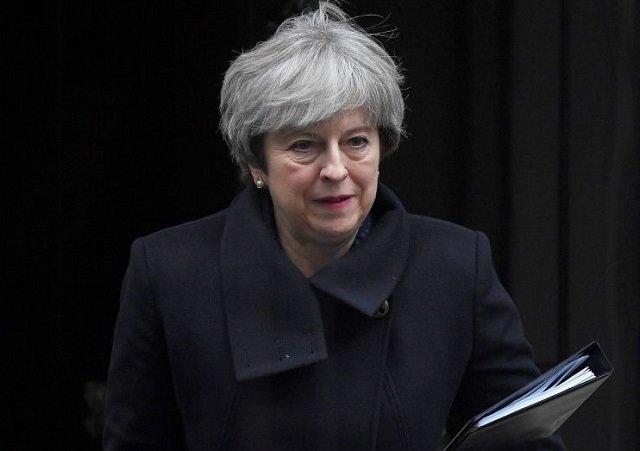 Gesto de Theresa May genera una posibilidad de acercamiento británico por las Malvinas