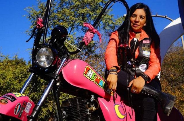Una maestra motoquera viajará hacia Ushuaia por sus alumnos