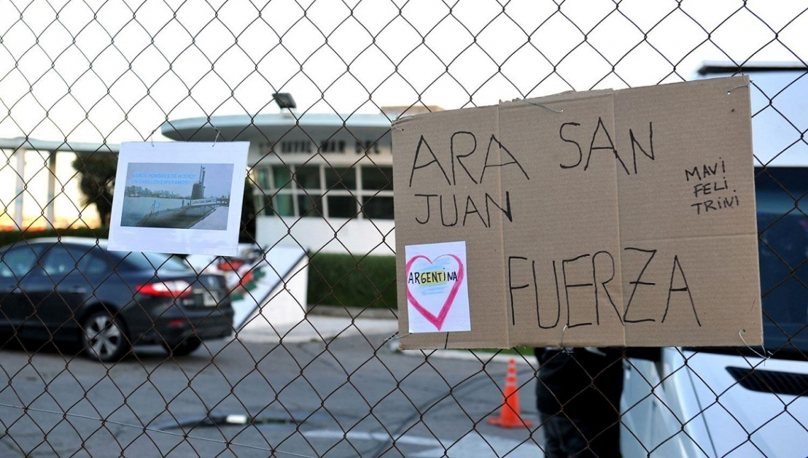 ARA San Juan: Esperan que mejore el tiempo para investigar tres contactos