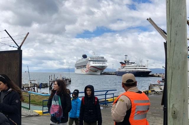 Recaló en el puerto deUshuaia el imponente crucero Norwegian Sun