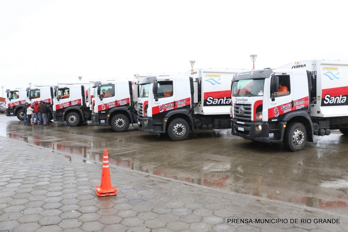 Presentaron los primeros seis nuevos camiones recolectores de residuos