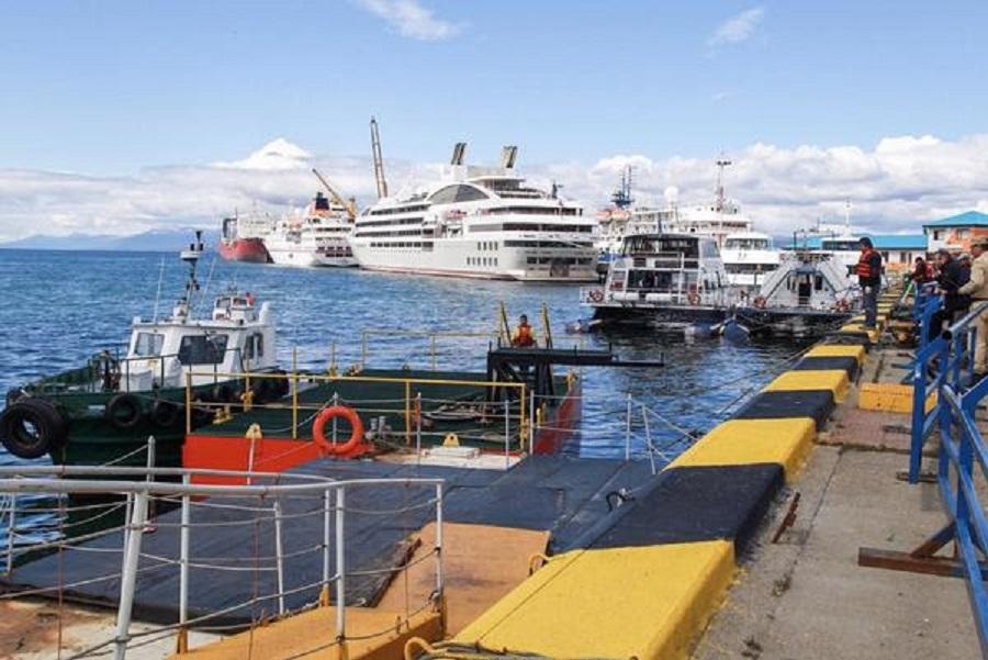 Puertos instaló un pontón flotante para el desembarco de pasajeros