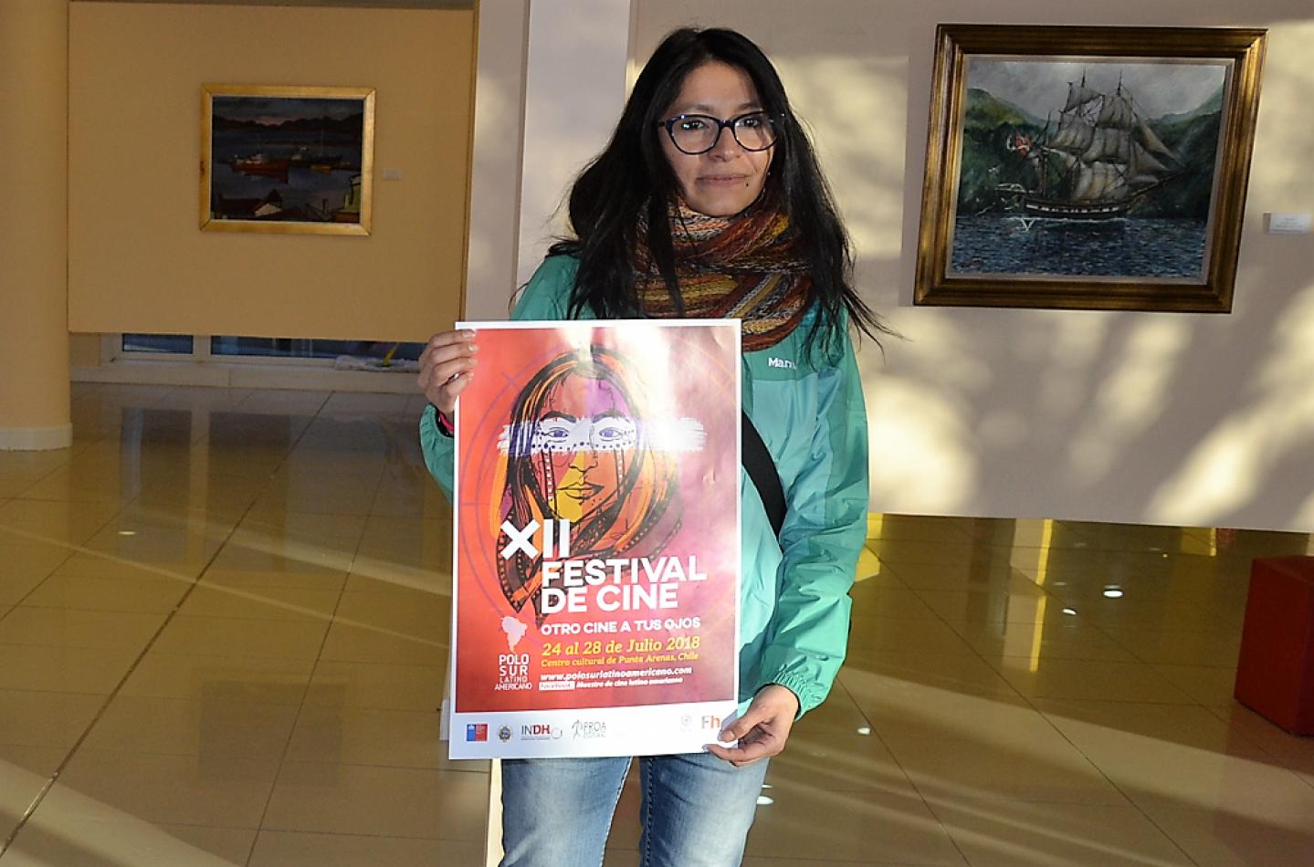 Una de las organizadoras del festival de Cine de Punta Arenas, Caroline Paves Torre Alba, posó para las cámaras de El Sureño.