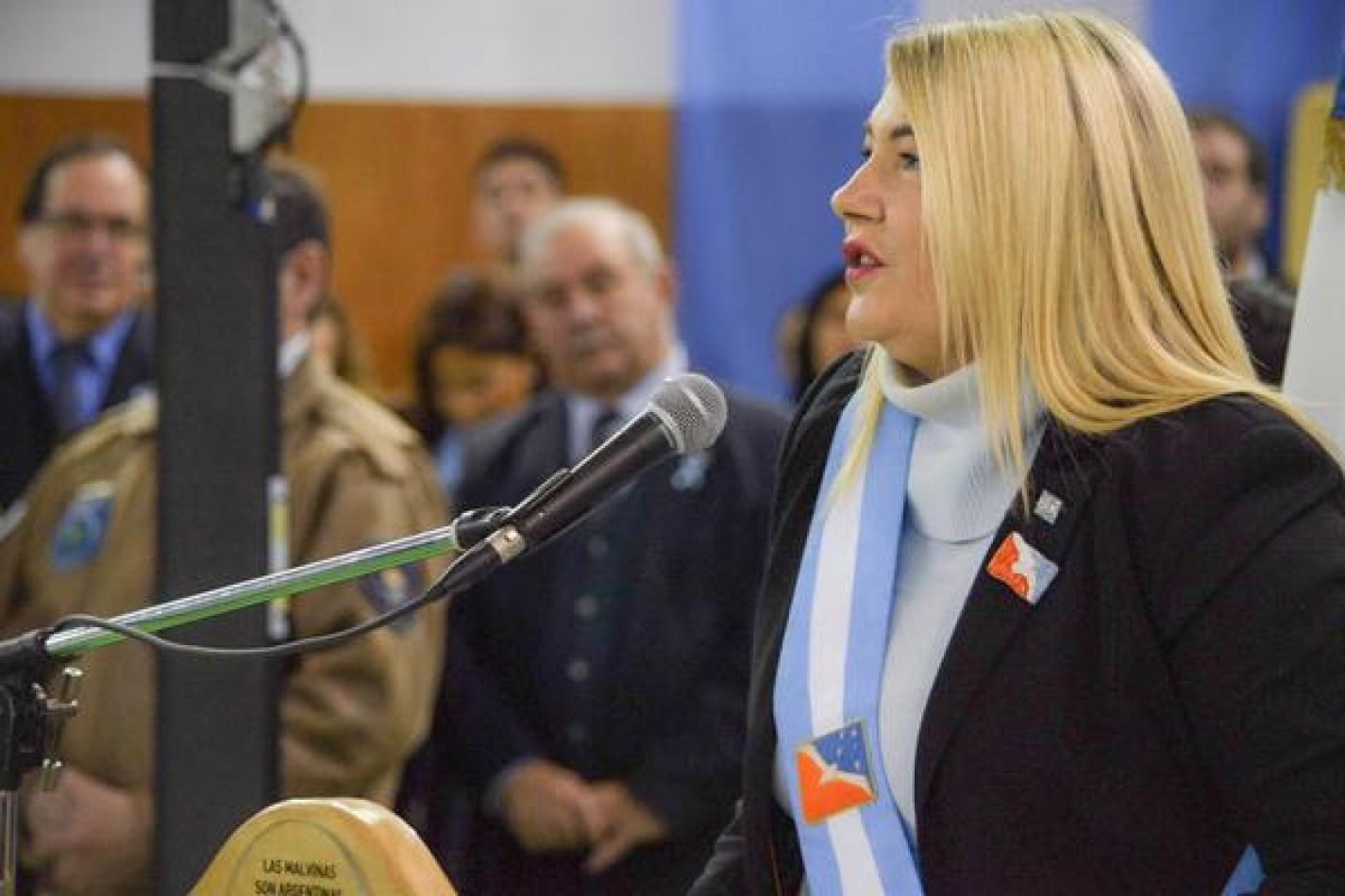 Gobernadora Rosana Bertone