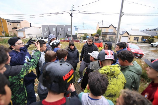 """Paulino Rossi acompañó a """"Los pibes del Canal"""" en una jornada BMX"""