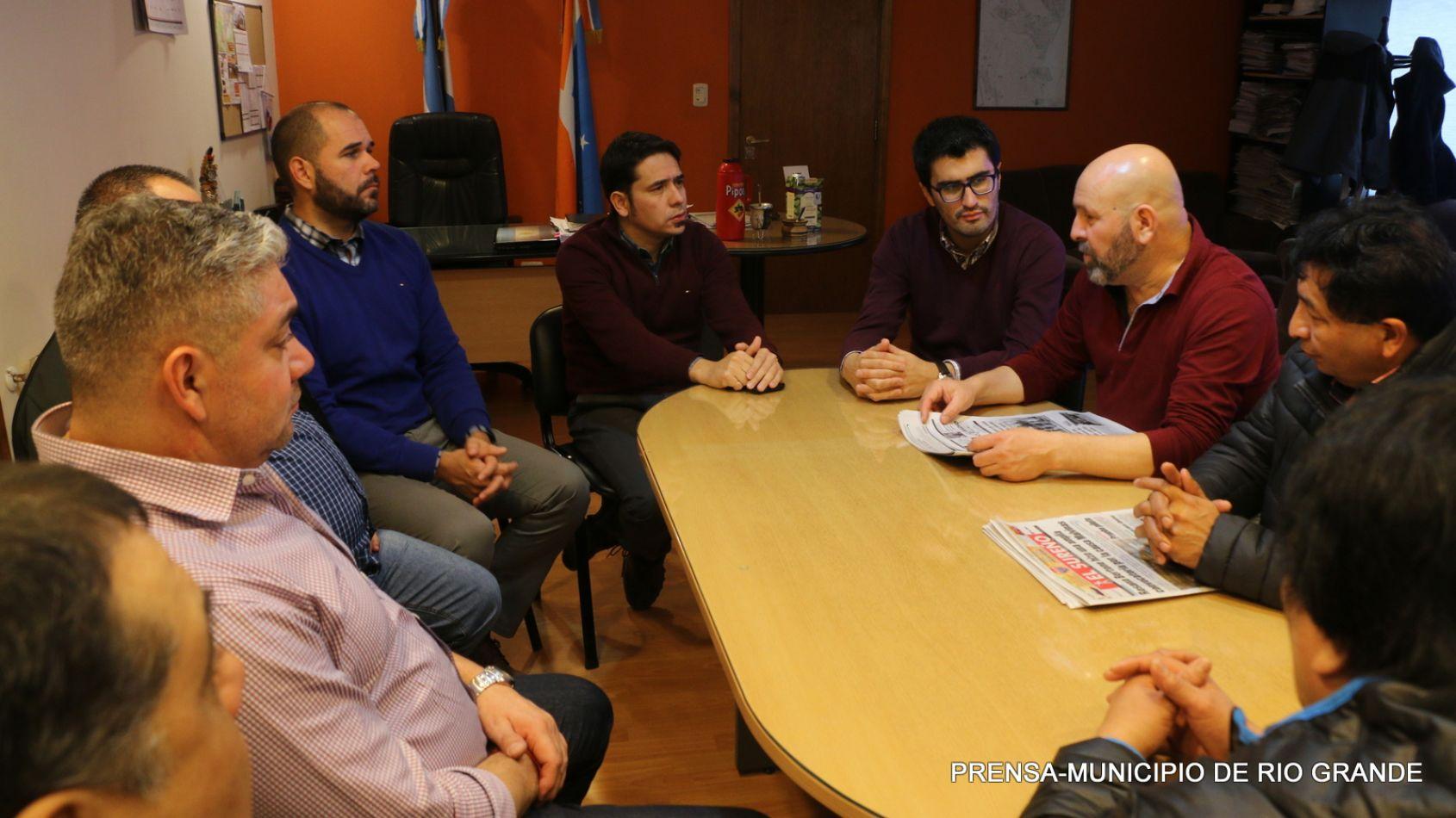 Reunión con representantes gremiales