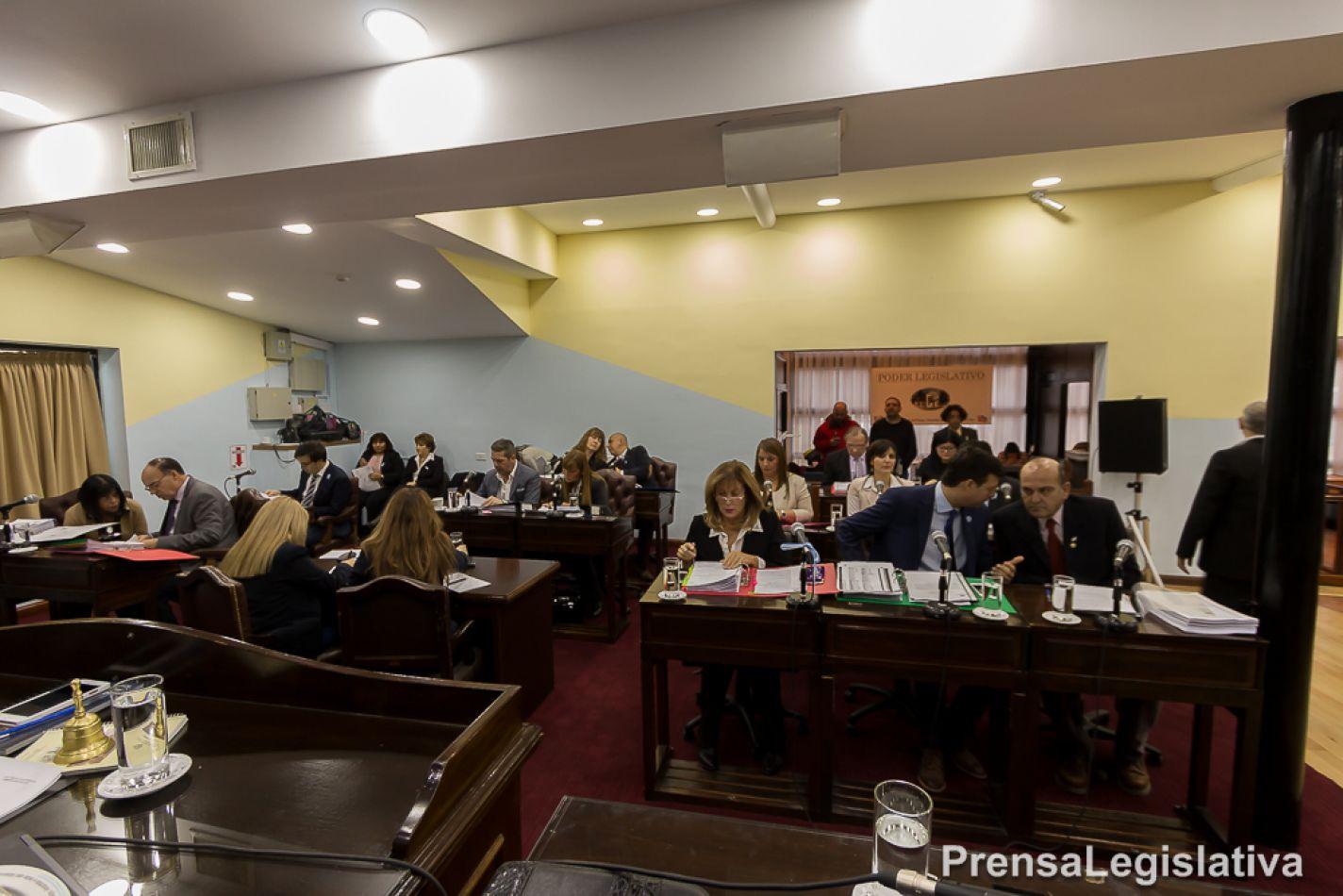 Sesión en la Legislatura de Ushuaia
