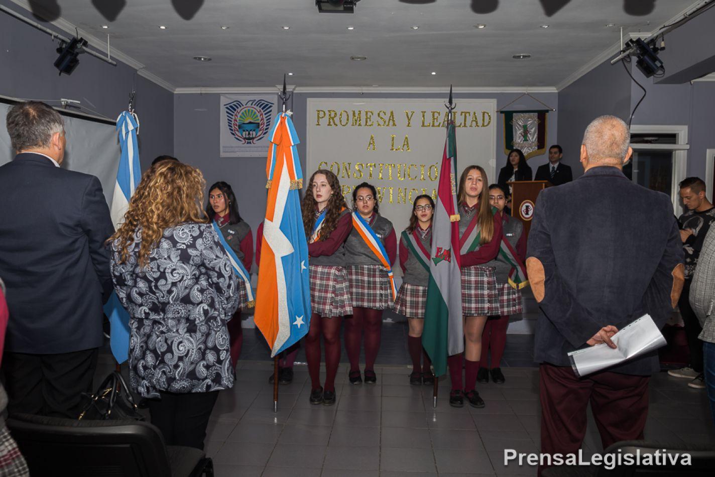 Alumnos de todos los establecimientos juraron lealtad a la Constitución provincial
