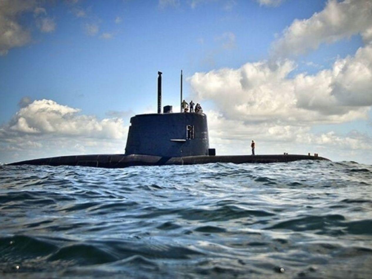 Empresa española buscará el submarino