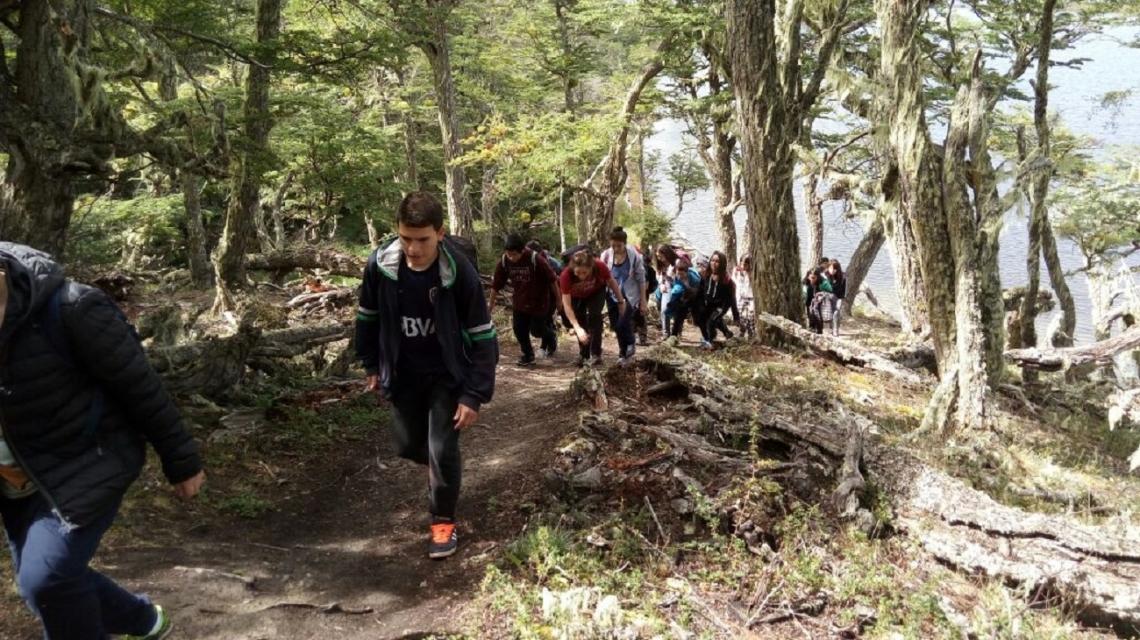 La Agencia de Deportes y Juventud realizó un trekking de jóvenes en Tolhuin